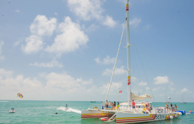 Catamaran Tour in ocean in Key West